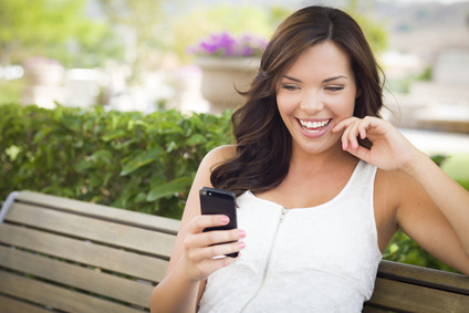 How To Text Him So He'll Message You Back— 9 Smoking Hot Messages