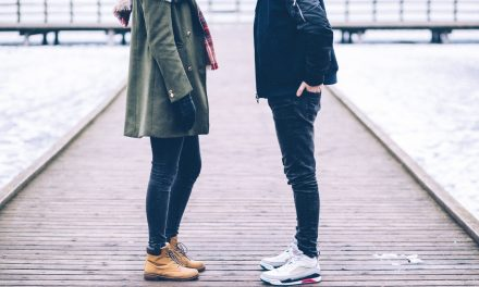 How To Know If A Guy Really Likes You. 5 Sure Fire Signs